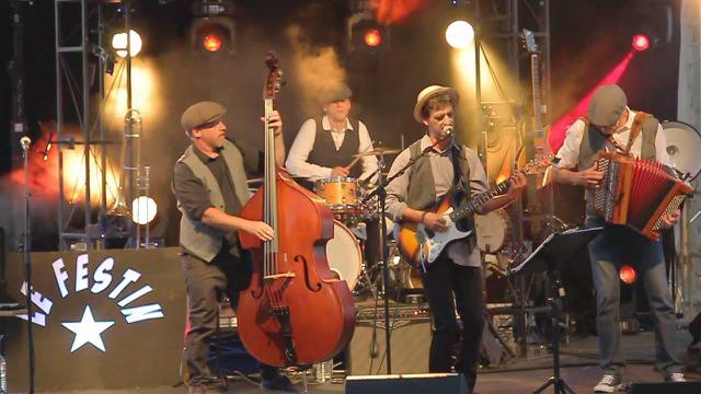 GROUPE-DE-MUSICIEN